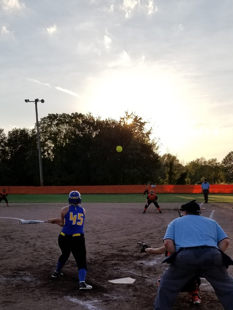 Shaylee at bat